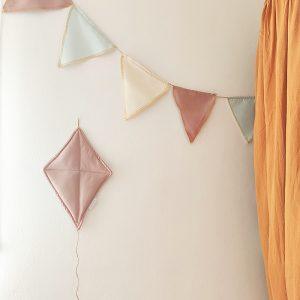 עיצוב קירות בחדר ילדים - עפיפון פודרה