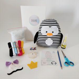 ערכות יצירה לילדים - ערכה להכנת כרית פינגווין