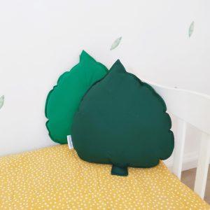 כריות נוי לחדר ילדים - כרית עלה ירוק בקבוק