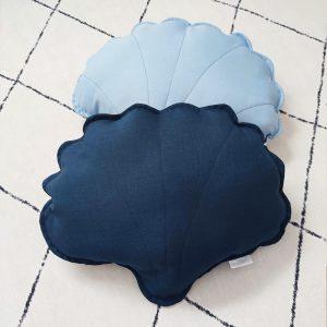 כריות נוי לחדרי ילדים - כרית צדפה כחול כהה