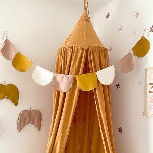 שרשרת דגלונים לחדר ילדים - דגם בוהו עגול